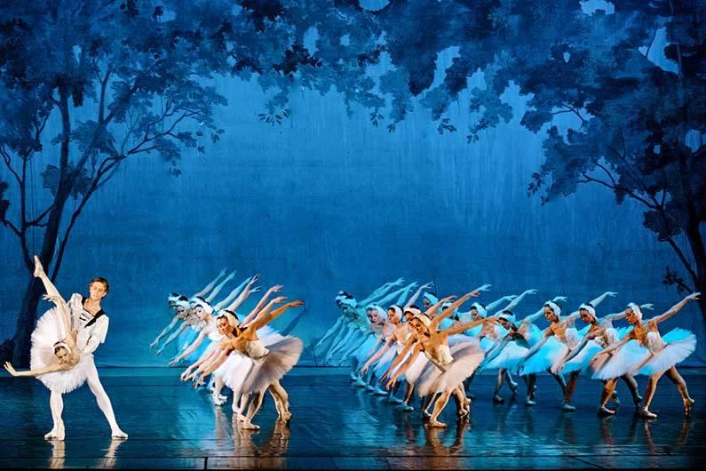 """4 февраля 2018. """"Лебединое озеро"""" от Большого театра из Москвы в Норчепинге"""