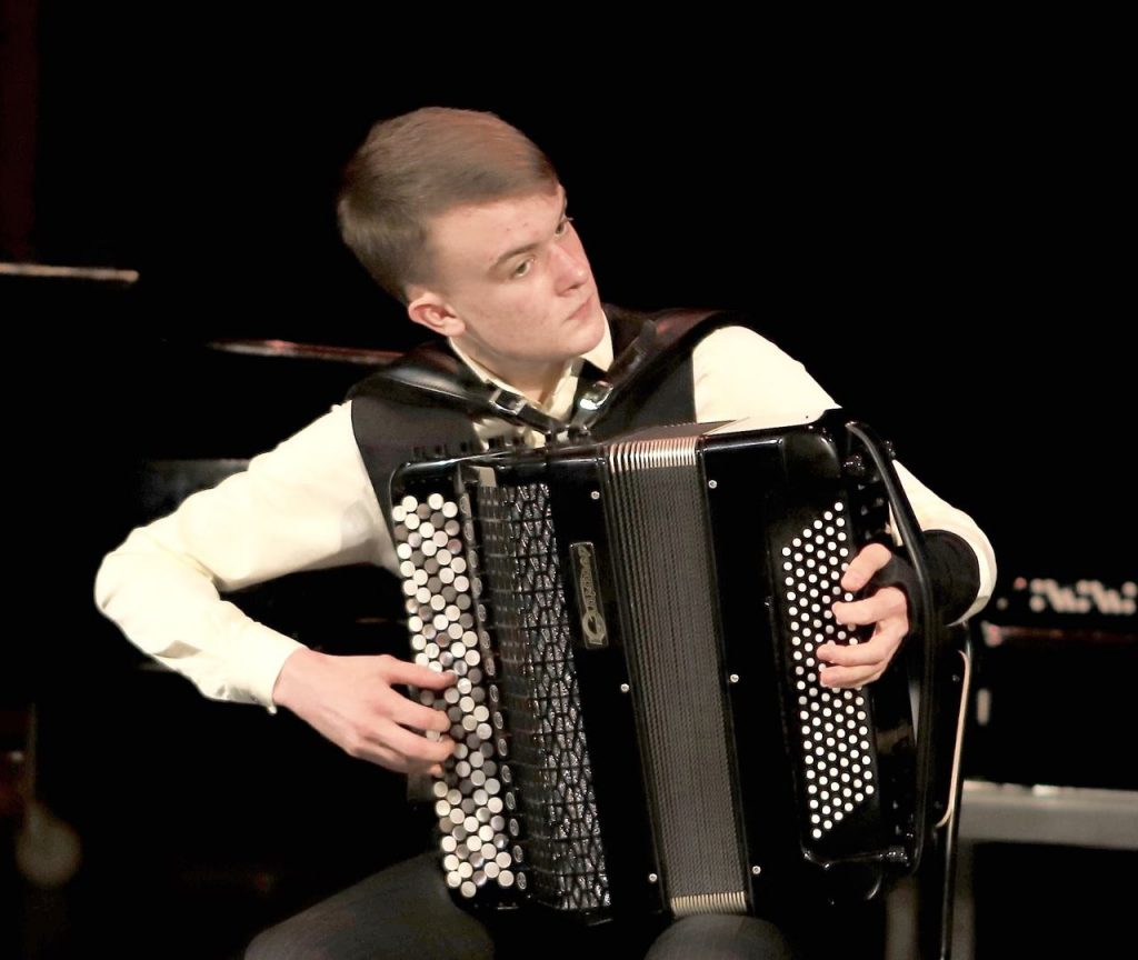 20190808 Konsert. Leo Florin spelar ackordion. Gratis entré.
